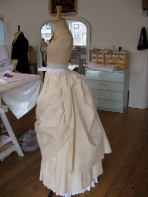 draping apron on the stand